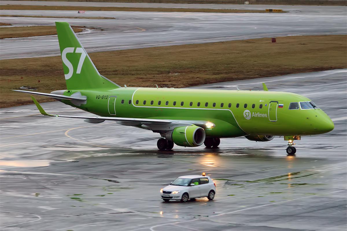 En Embraer 170 fra det russiske flyselskab S7 Airlines. Foto: Anna Zvereva