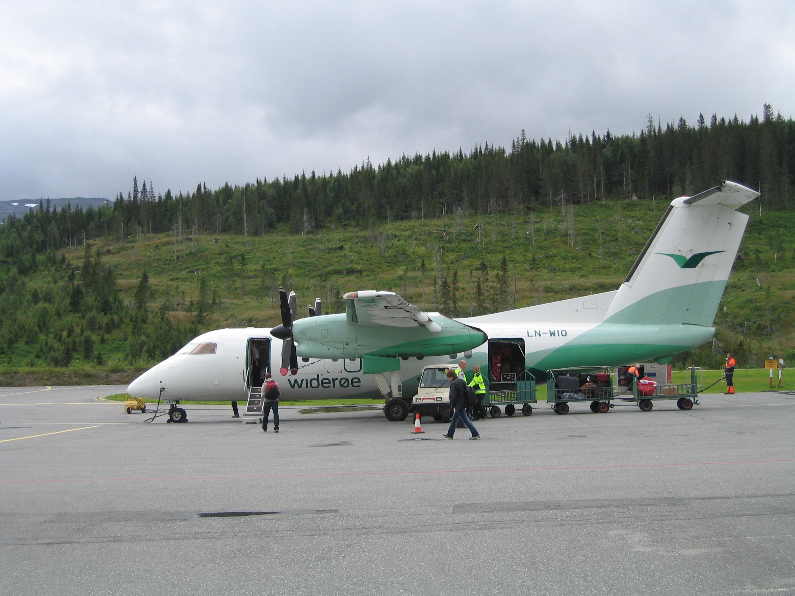 En Dash-8 fra det norske regionale flyselskab Widerøe. Foto: ZorroIII