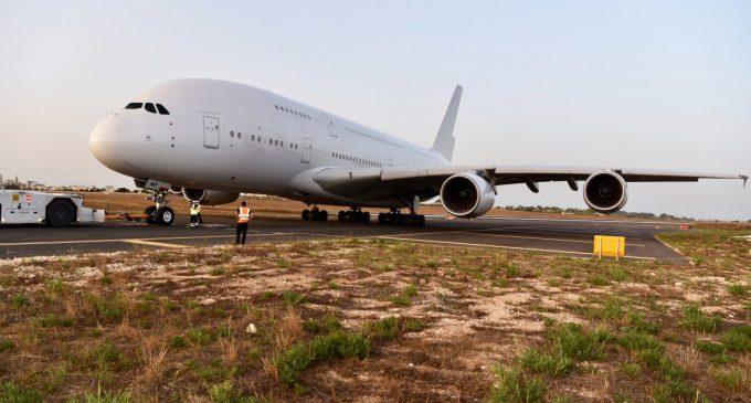 Det portugisiske flyselskab HiFly har netop modtaget sin første Airbus A380. Foto: HiFly