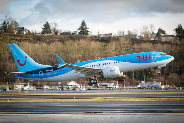 TUI Groups første 737 MAX 8 ved takeoff i Seattle. (Foto: Boeing)