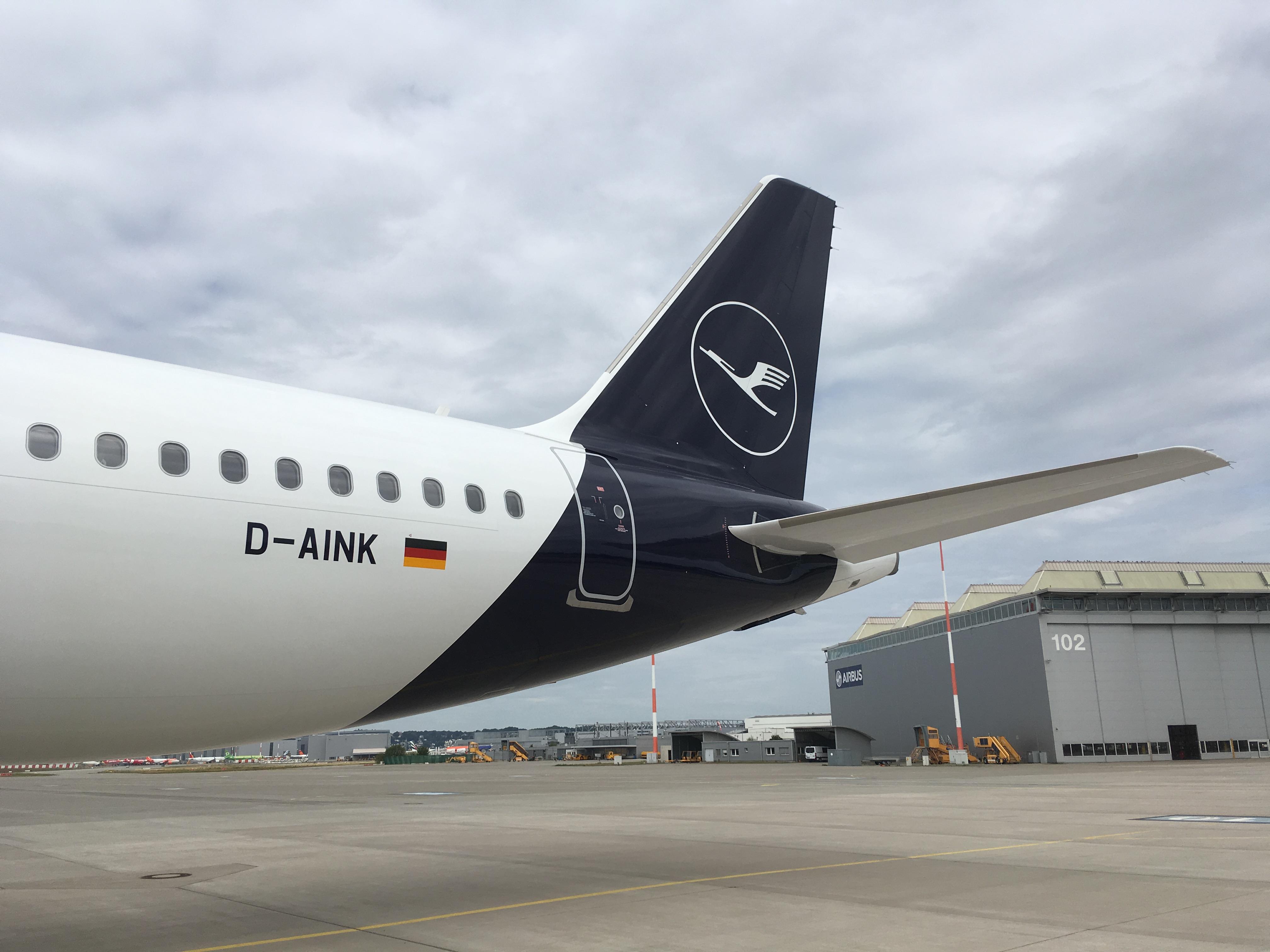 Lufthansas nye flydesign set ud fra halen på en ny-leveret Airbus A320neo. Foto: Lufthansa