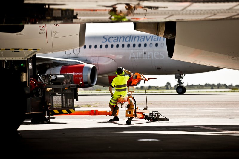 Fly og handling i Københavns Lufthavn (Foto: Ernst Tobisch)