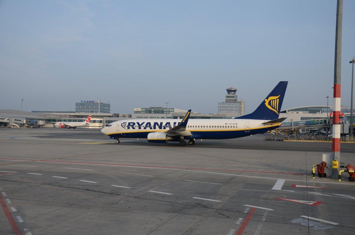 fly til prag fra københavn