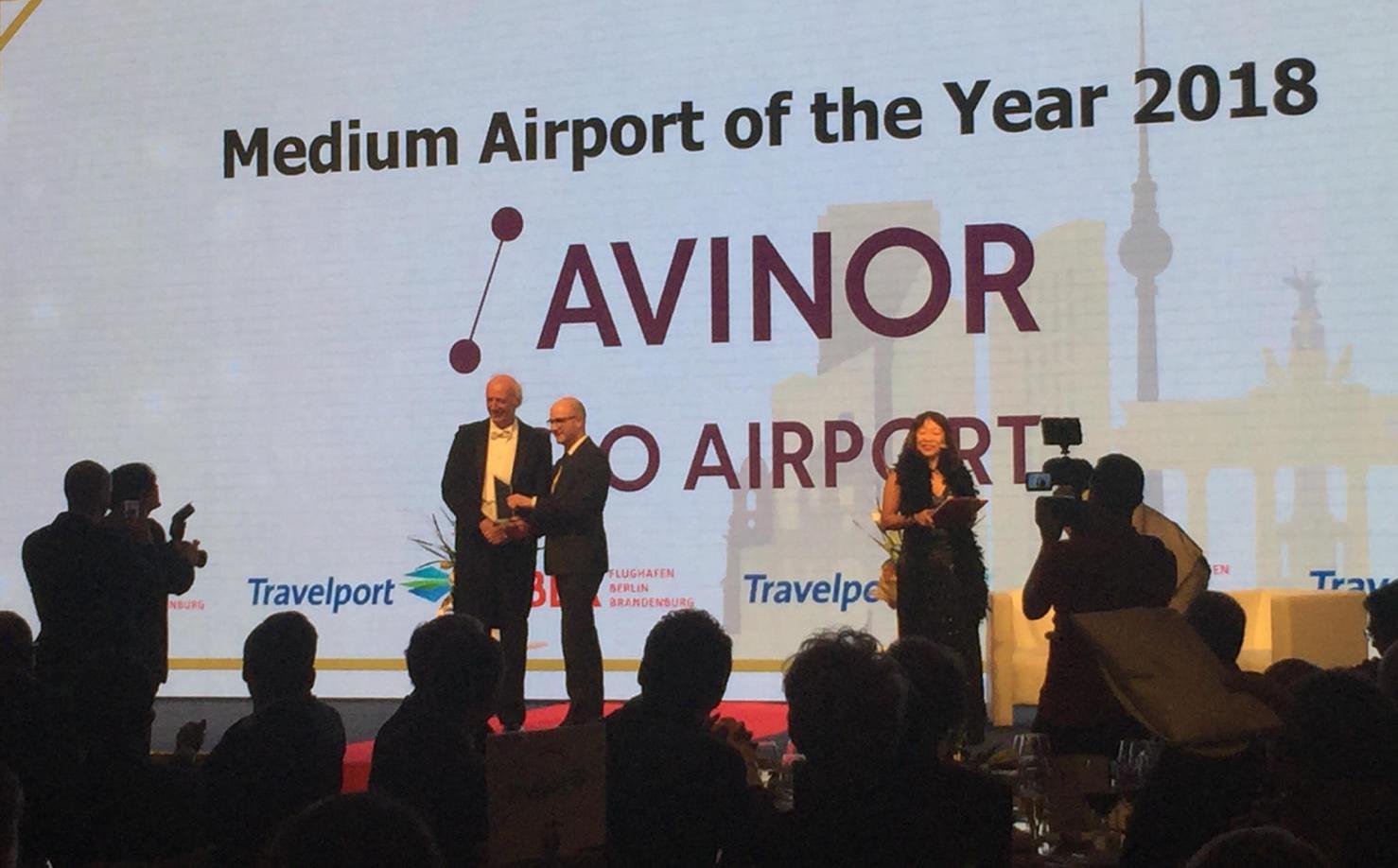 Oslo Lufthavn modtager CAPA-prisen i Berlin. (Foto: Hans Jørgen  Elnæs)