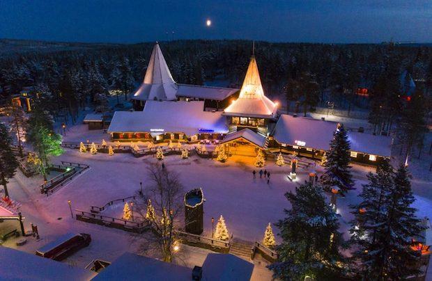 Julemandens by i Lapland. (Foto: Santa Claus Village)