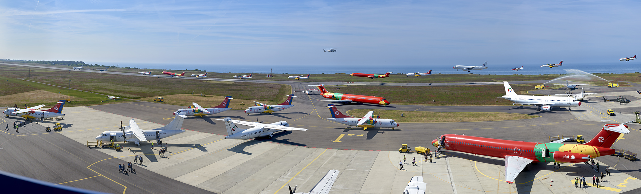 Travlhed i Bornholms Lufthavn under Folkemødet. (Fotoarbejde: Per Frost)