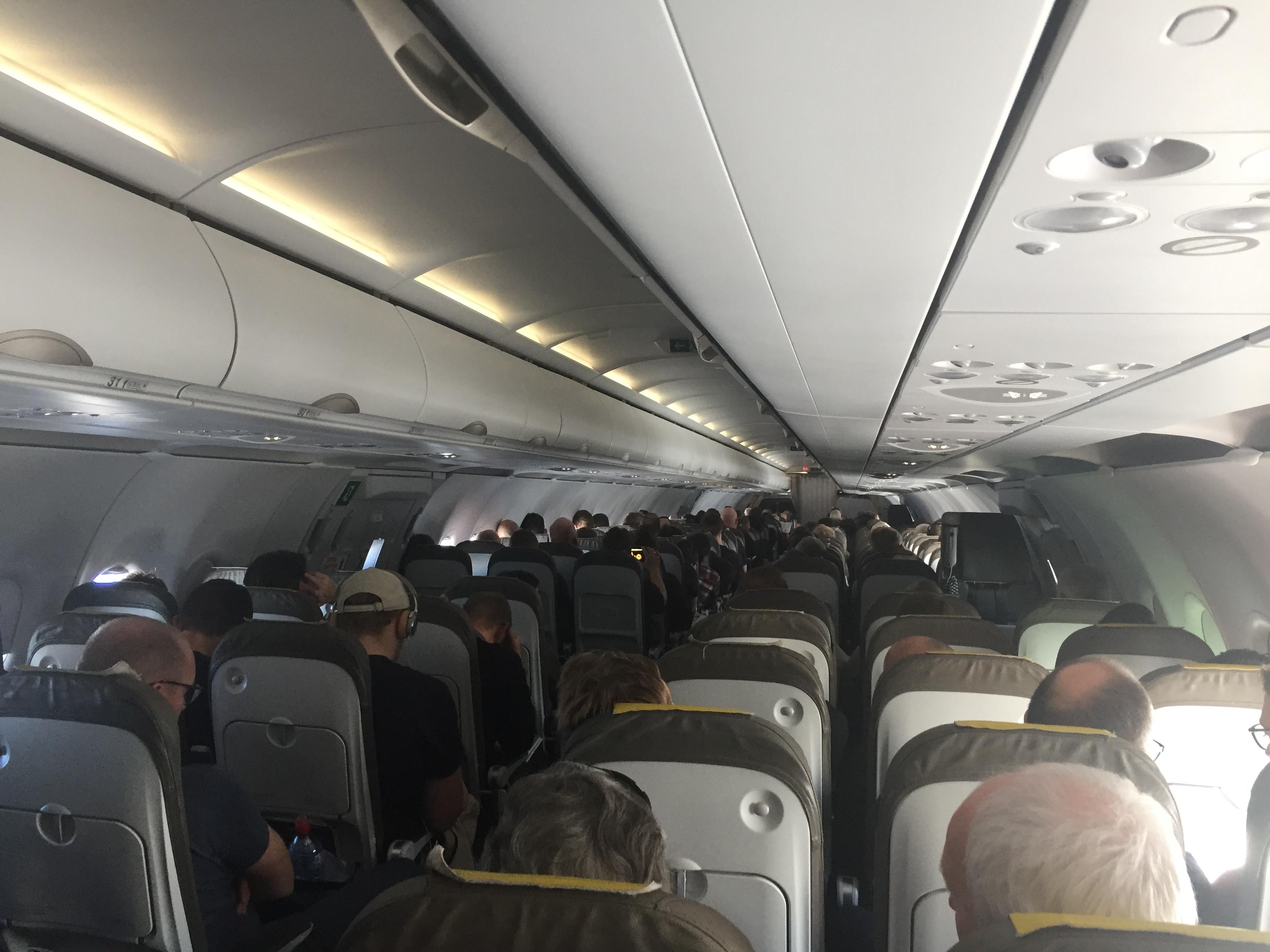 Kabinen fra 34. række i A321-flyet fra Vueling. Foto: Danny Longhi Andreasen