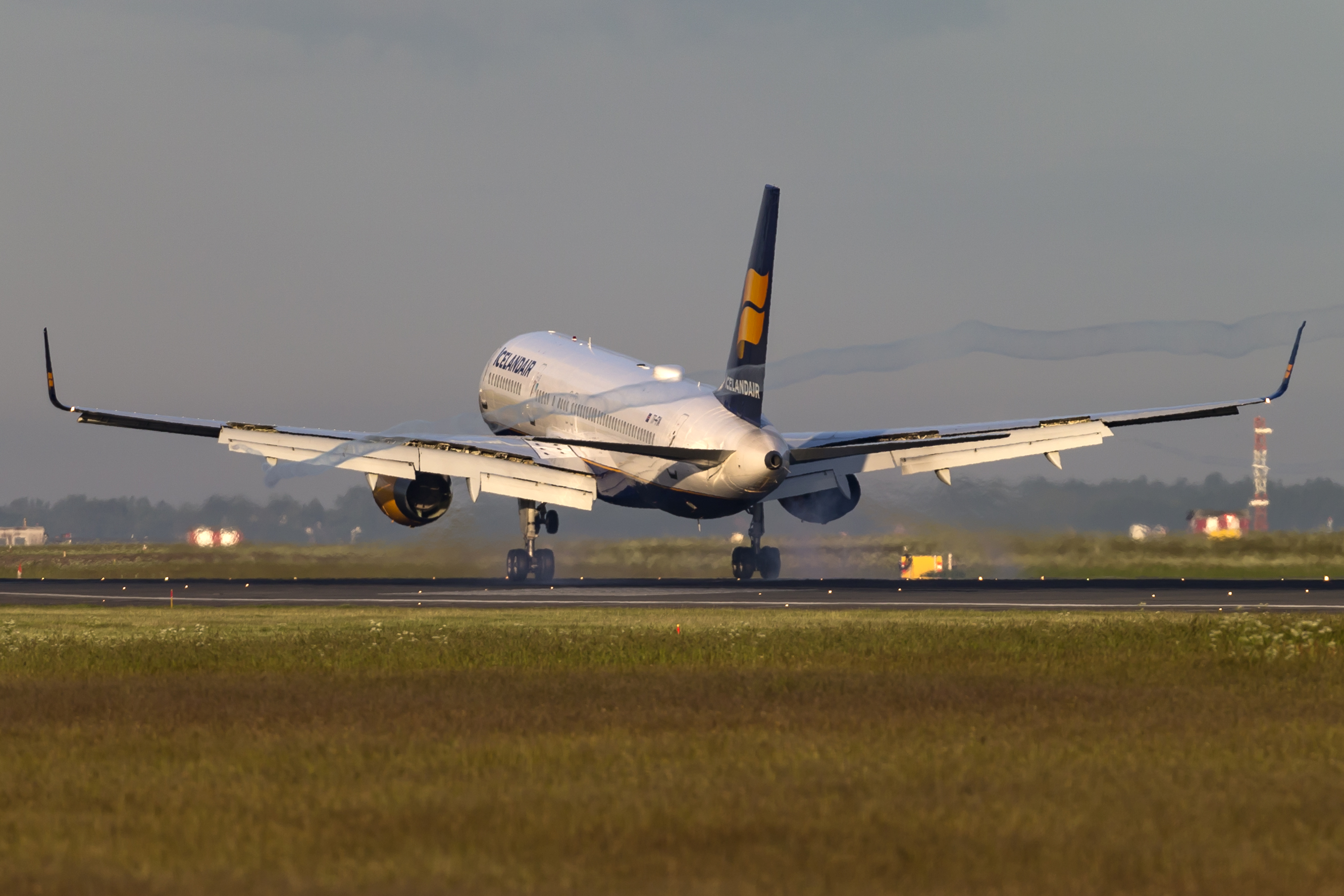 En Boeing 757-200 fra Icelandair. (Foto: © Thorbjørn Brunander Sund, Danish Aviation Photo)