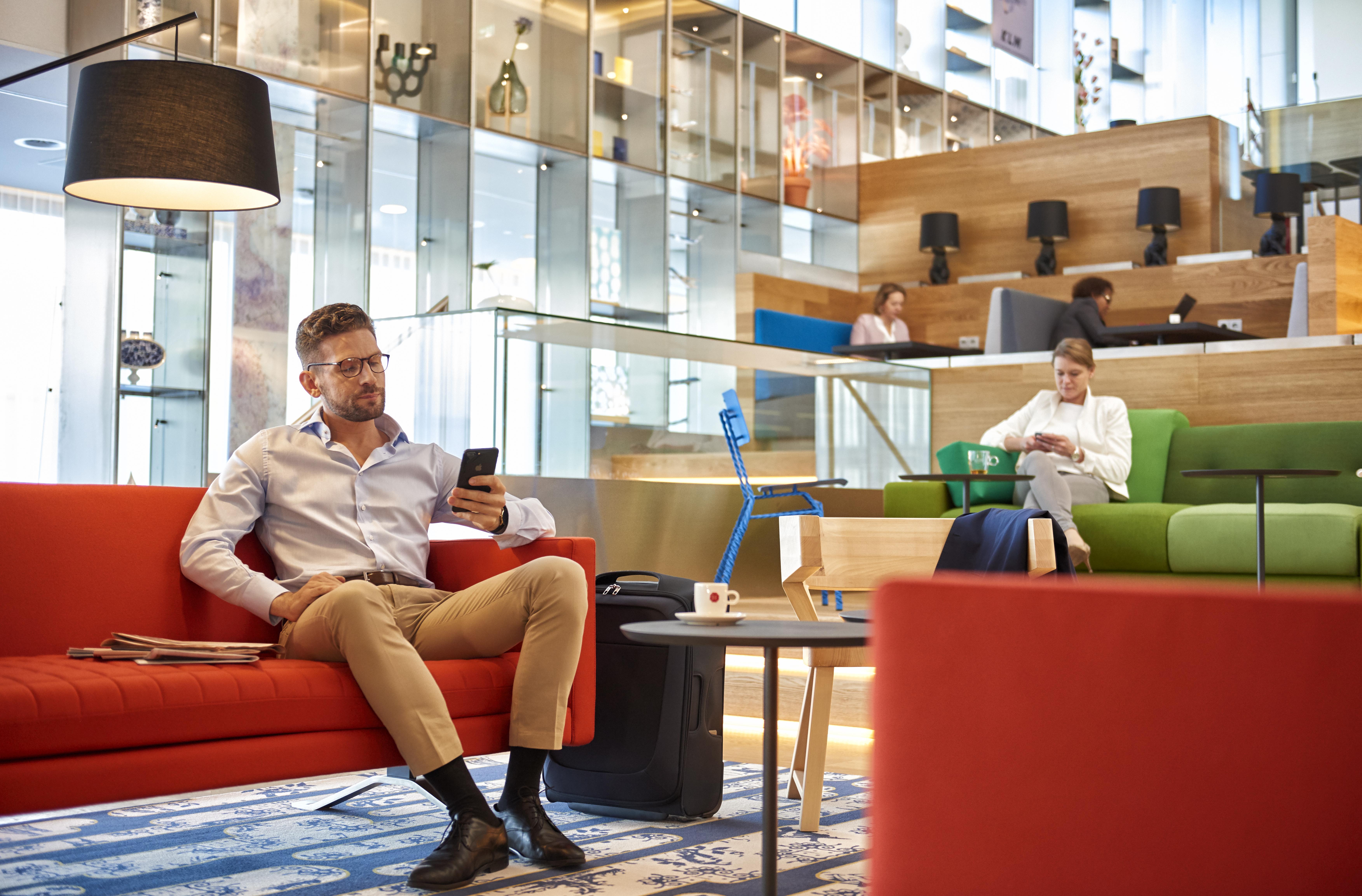 KLM har åbnet første del af den nyrenoverede Crown Lounge i Amsterdam Schiphol. Foto: KLM