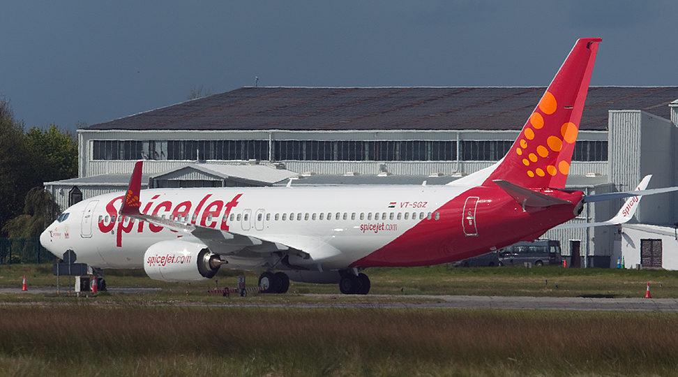 En Boeing 737-800 fra det indiske lavprisflyselskab SpiceJet. Foto: Paul Nelhams