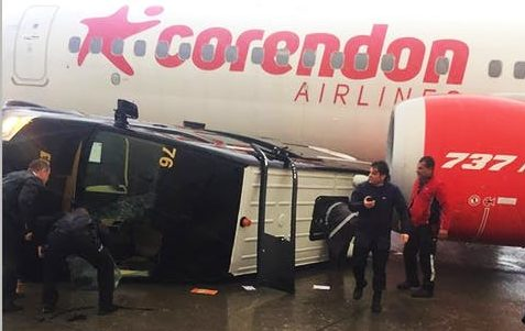 En Boeing 737 MAX 8 fra Corendon Airlines fik skader under en tornado i Antalya International Airport. Foto: Antalyaspotter