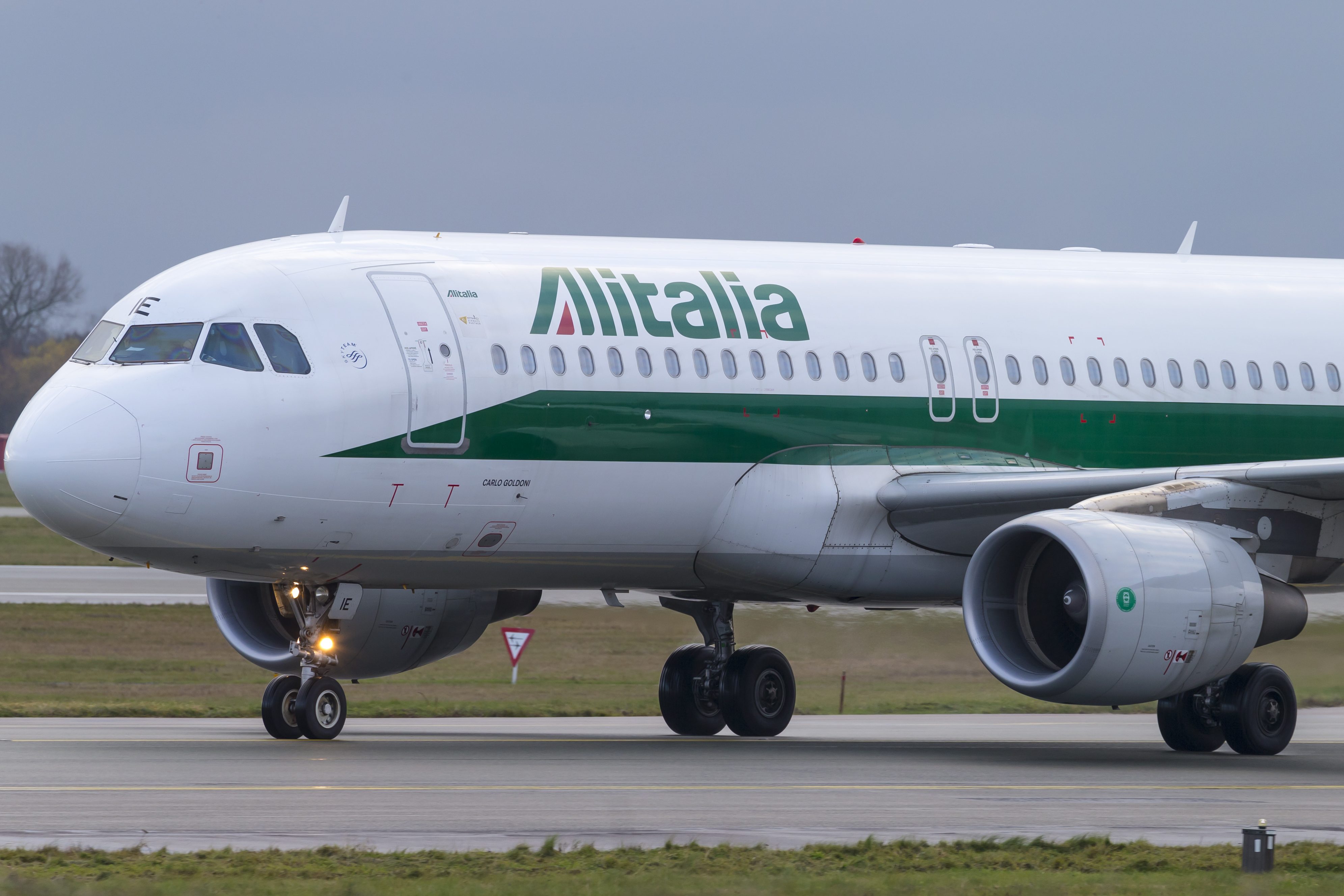 En Airbus A320 fra Alitalia. Foto: © Thorbjørn Brunander Sund, Danish Aviation Photo
