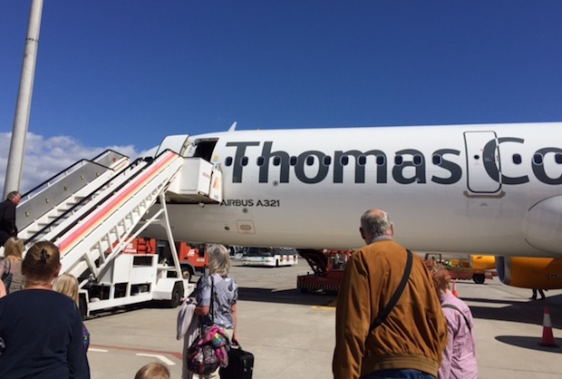 Airbus A321-fly fra Thomas Cook Airlines i Sydeuropa.