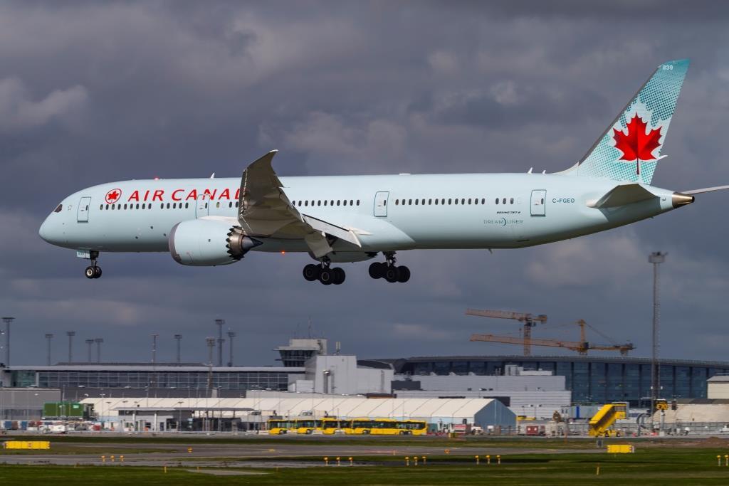 Boeing 787-9 Dreamliner fra Air Canada i København Lufthavn. (Foto: © Thorbjørn Brunander Sund | Danish Aviation Photo)