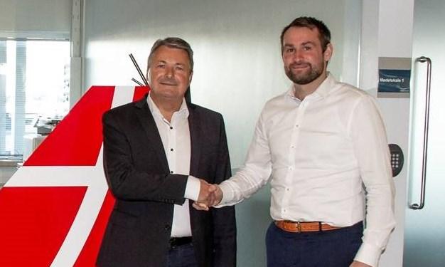 Eigild Bødker Christensen (t.v.) bestyrelsesformand i Great Dane Airlines – her sammen med adm. direktør Thomas Hugo Møller. (Foto: Great Dane Airlines/PR)