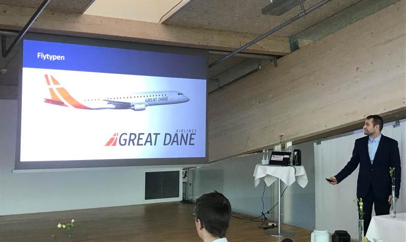 Adm. direktør Thomas Hugo Møller, præsenterer Great Dane Airlines ved et pressemøde i Aalborg Lufthavn. (Foto: Aalborg Lufthavn/PR)