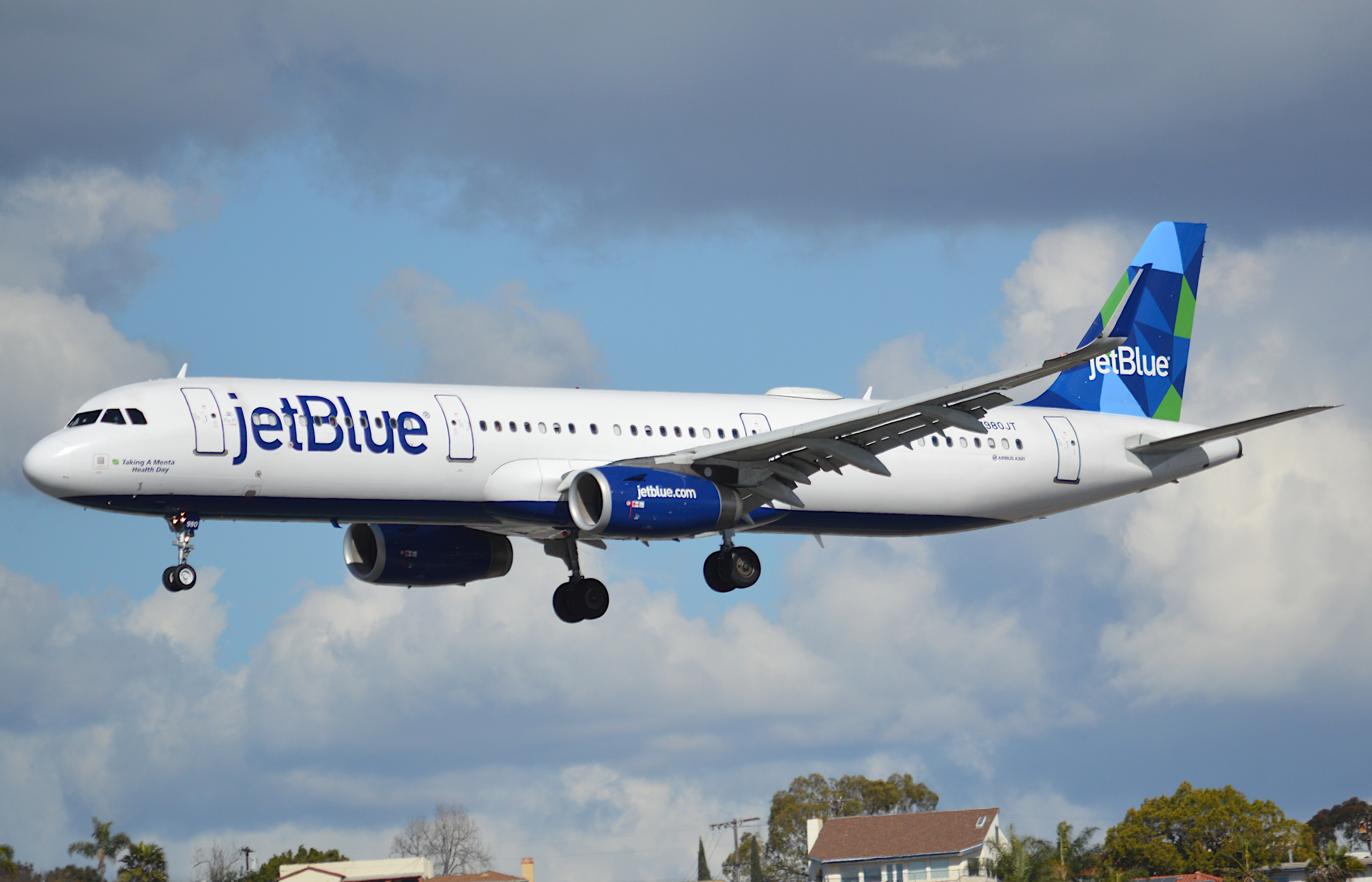 En Airbus A321-200 fra det amerikanske lavprisflyselskab JetBlue. Foto: Johnnyw3