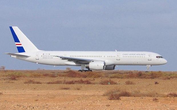 Et Cabo Verde Airlines Boeing 757-200 leaset fra Icelandair. (Foto: Wikimedia Commons)