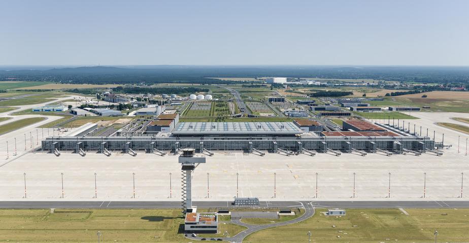 Hovedterminalen i Berlin Brandenburg, der ventes at åbne i oktober 2020. Foto: Flughafen Berlin Brandenburg