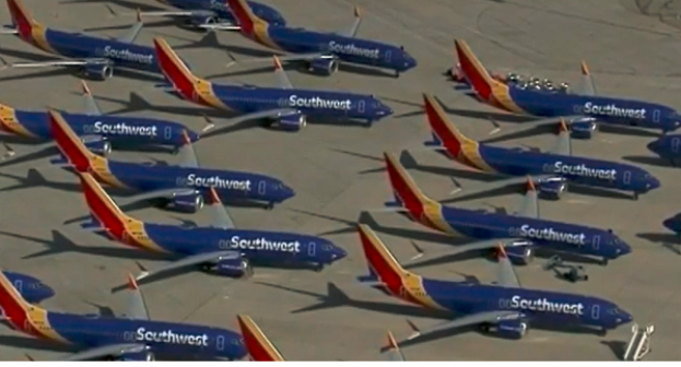 34 Boeing 737 MAX fra Southwest Airlines i California Logistics/Victorville Airport (Foto: KCAL9)