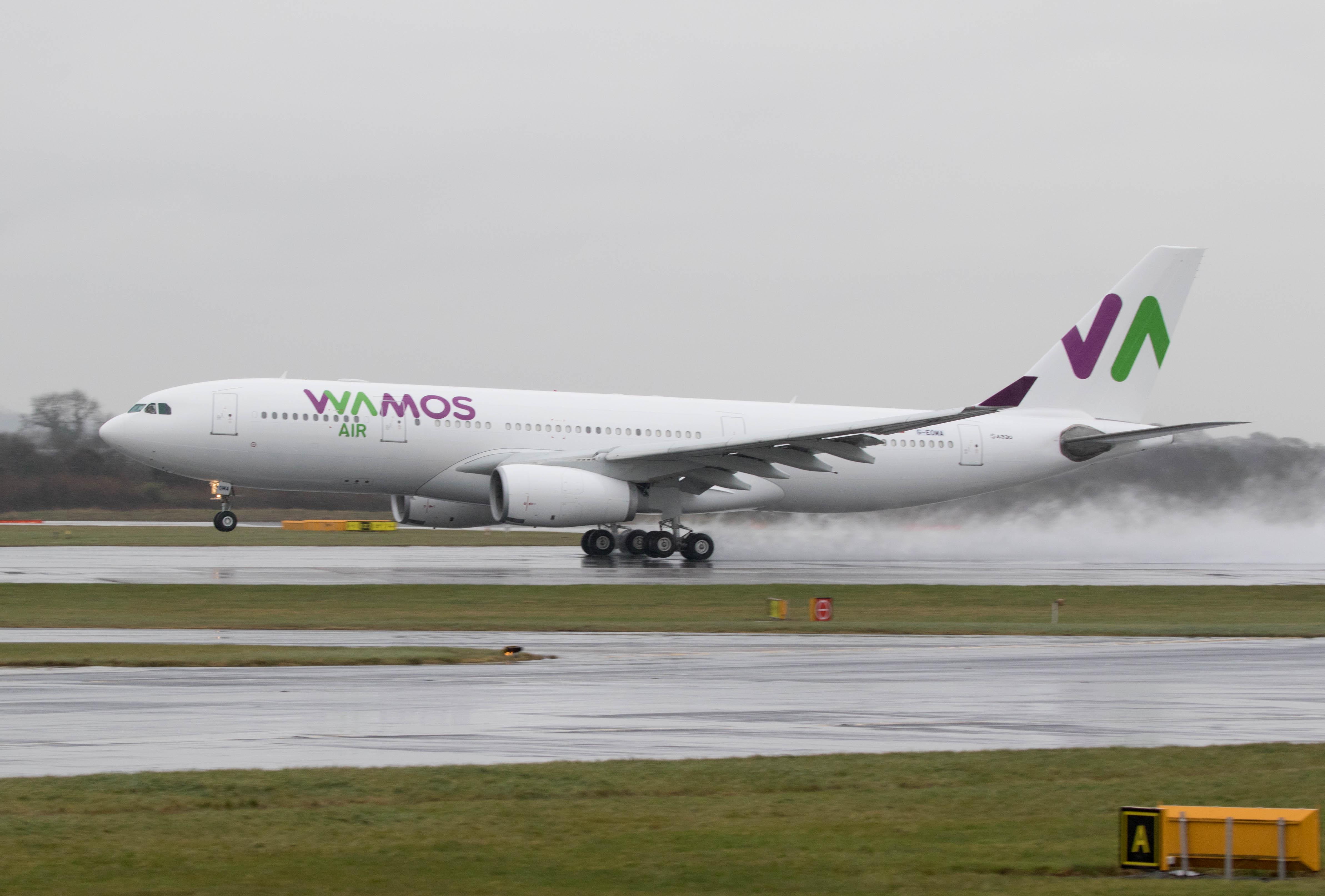 En Airbus A330-200 fra det spanske selskab Wamos Air. Foto: Russell Lee