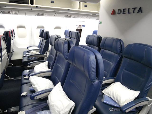 Comfort+-klassen byder på ekstra benplads og en række andre fordele. Foto: Jan Aagaard