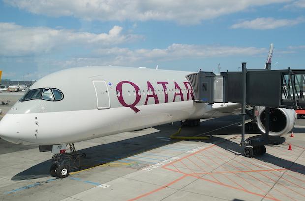 Qatar Airways A350-1000 i Københavns Lufthavn mandag den 17. juni. Foto: Jan Aagaard