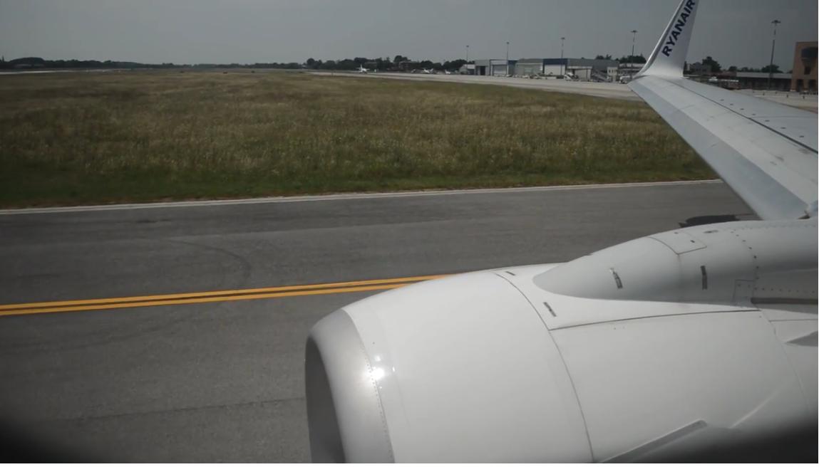 Ryanair-fly under start fra Treviso Airport. (Foto Denis Bence)