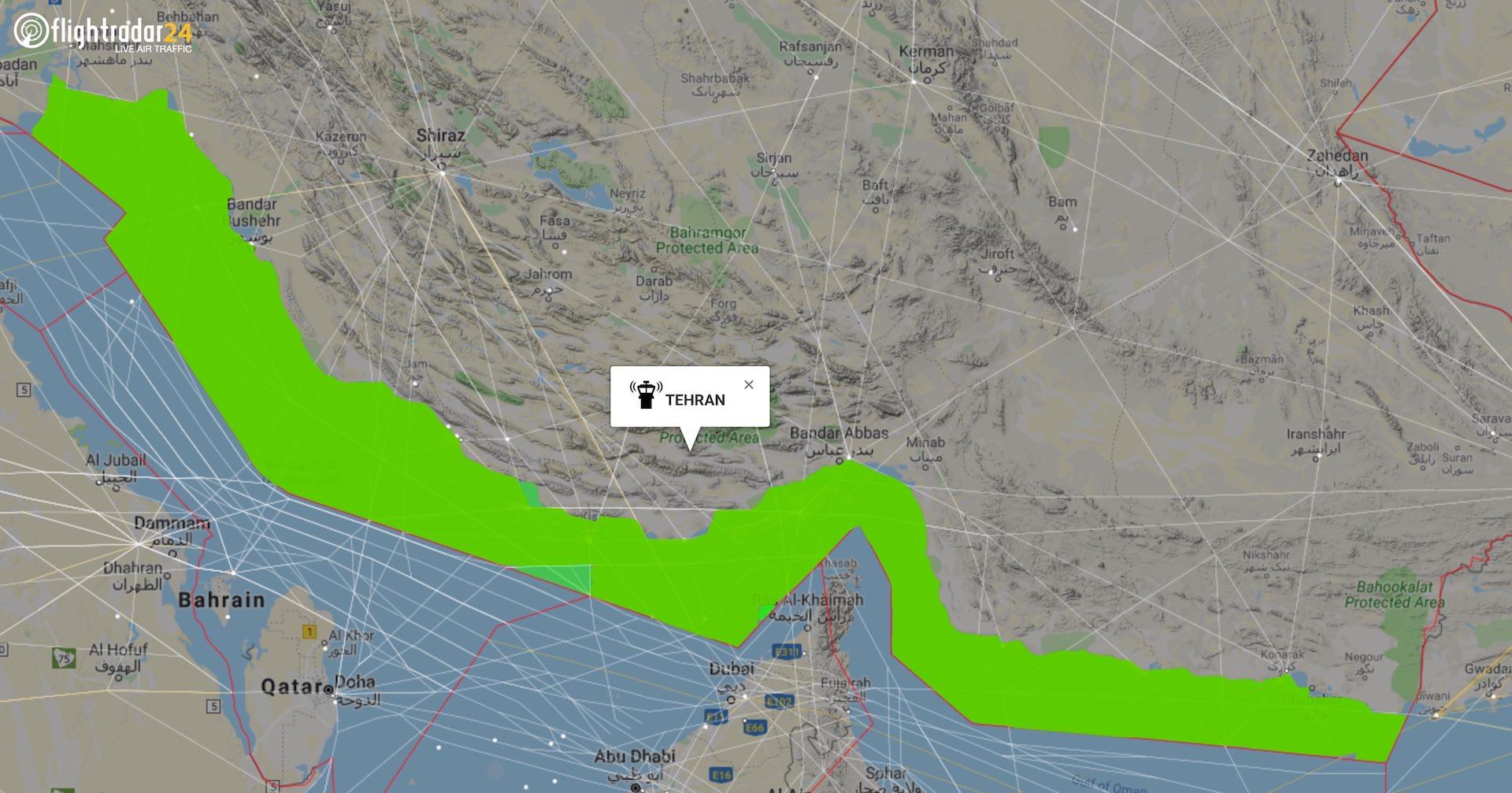 De amerikanske myndigheder har udstedt forbud til amerikanske flyselskaber om at flyve i en del af Teheran FIR (Flight Information Region). (Kort: Flightradar24.com)