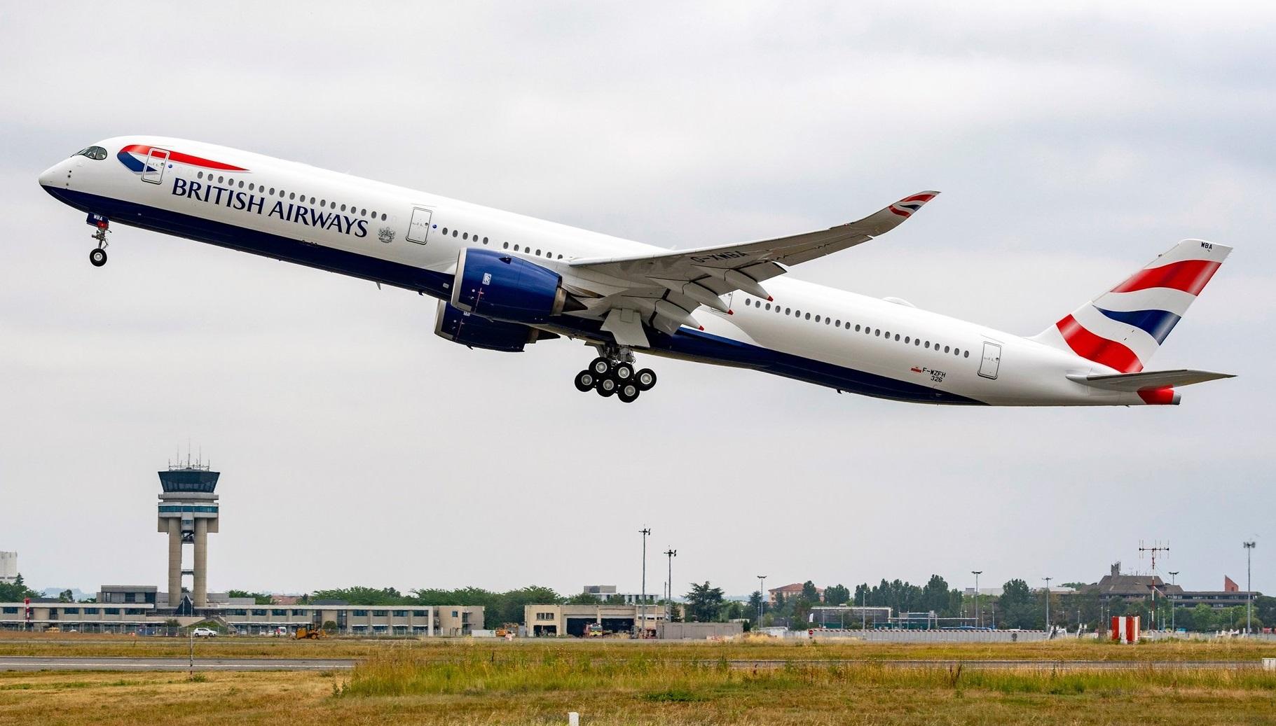 Den første Airbus A350-1000 til British Airways går i luften fra Toulouse. Foto: Airbus