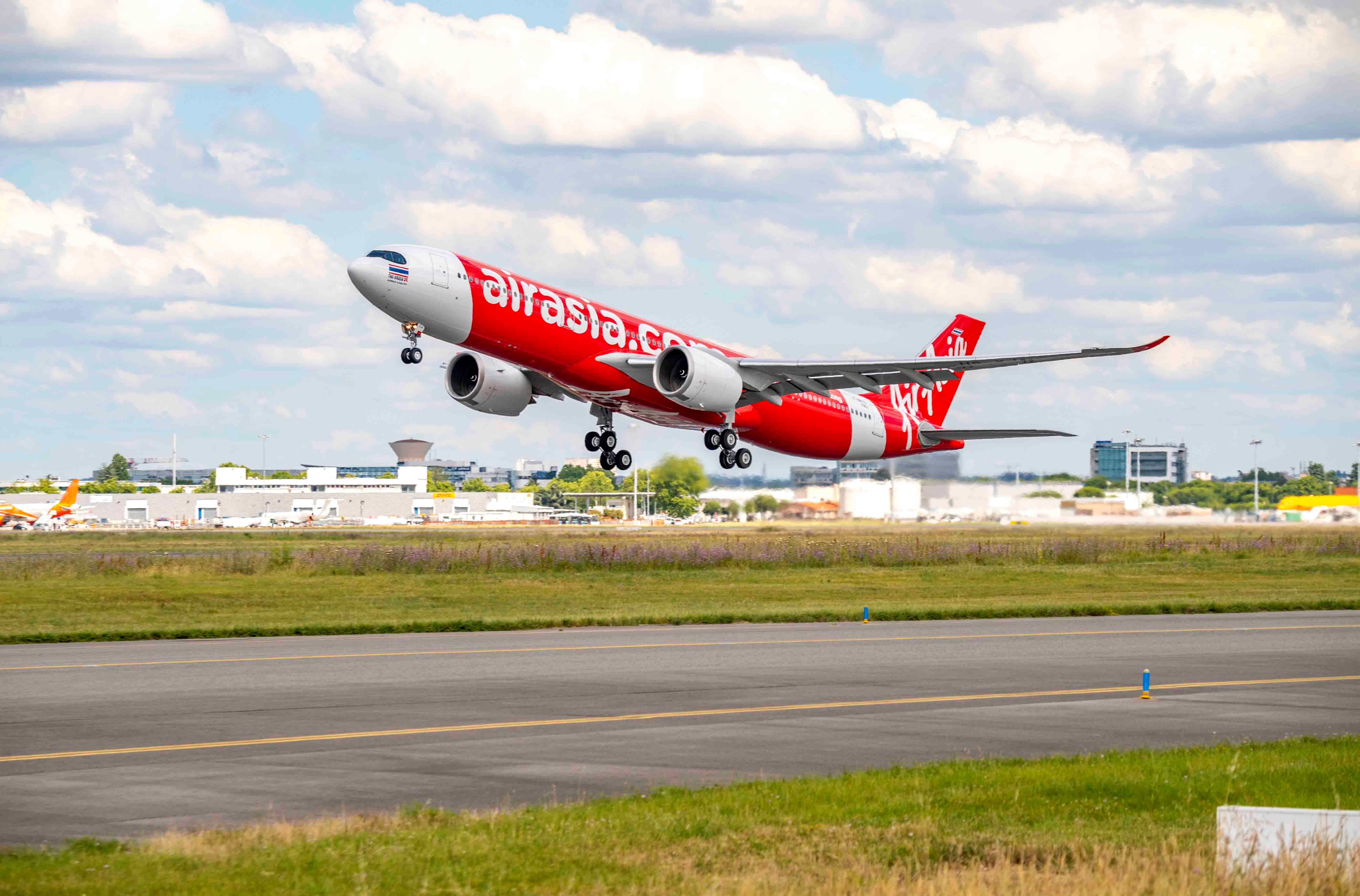 Airbus A330-900 fra Air Asia X (Foto: P. Pigeyre | master films)