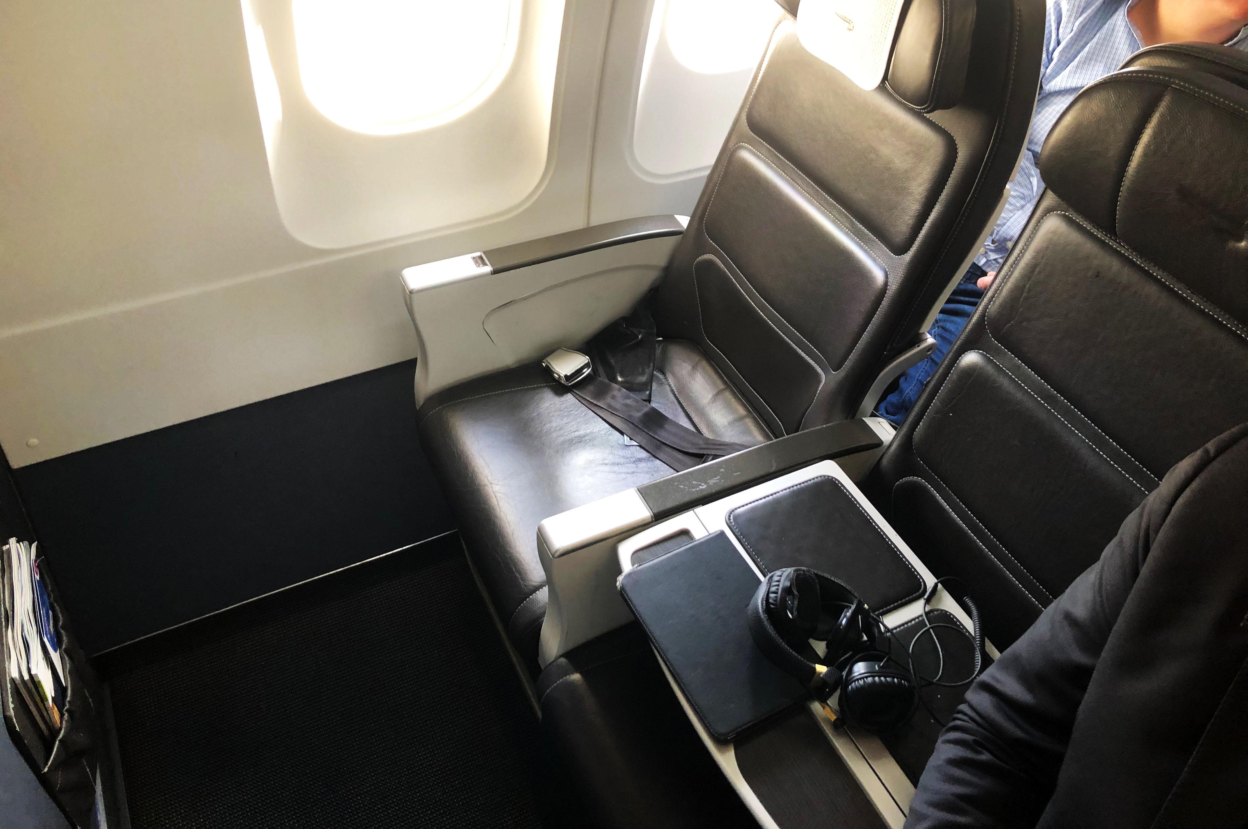 British Airways blokker sædet i midten på sin Business Class, så godt med plads til passagerne. (Foto: Joakim J. Hvistendahl)