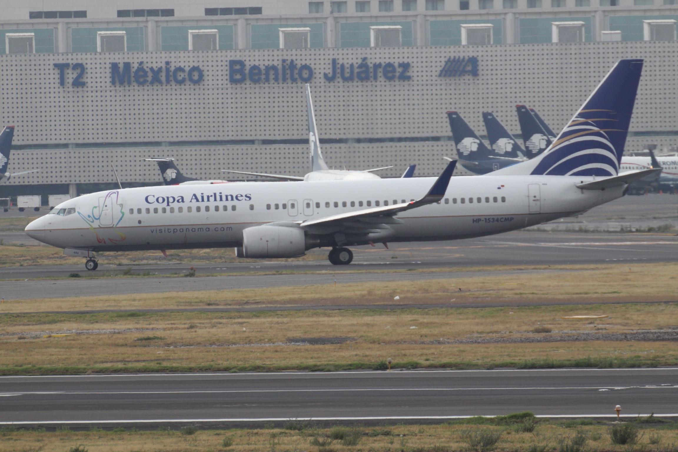 En Boeing 737-800 fra det panamanske flyselskab Copa Airlines i Mexico Citys storlufthavn. Foto: aeroprints.com