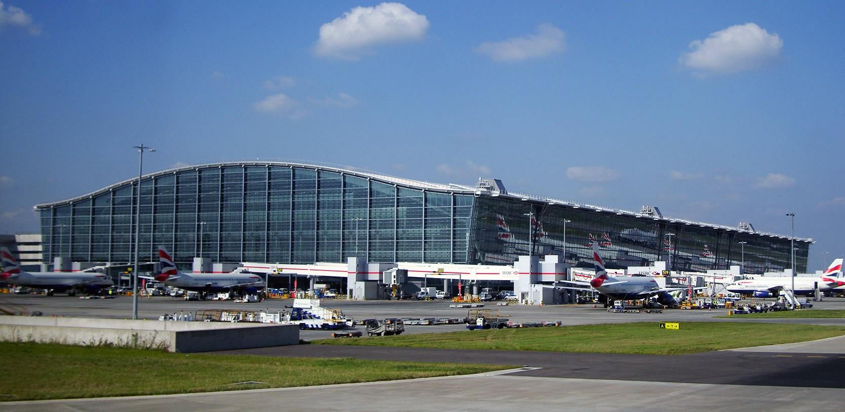 Terminal 5 i London Heathrow. Foto: Warren Rohner