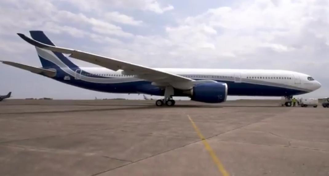 Den nye Airbus A330neo til det portugisiske wetleasing-flyselskab Hi Fly. Screendump fra Airbus-video