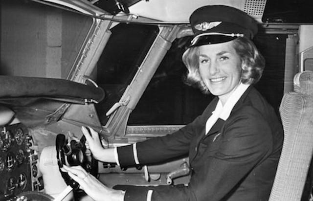 SAS-piloten Turi Wideröe var i slutningen af 1960'erne den første kvindelige pilot i et større flyselskab. (Foto: SAS)