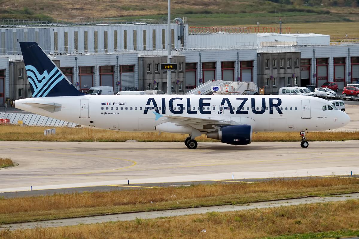 En Airbus A320-200 fra det konkursramte franske flyselskab Aigle Azur. Foto: Anna Zvereva, CC 2.0