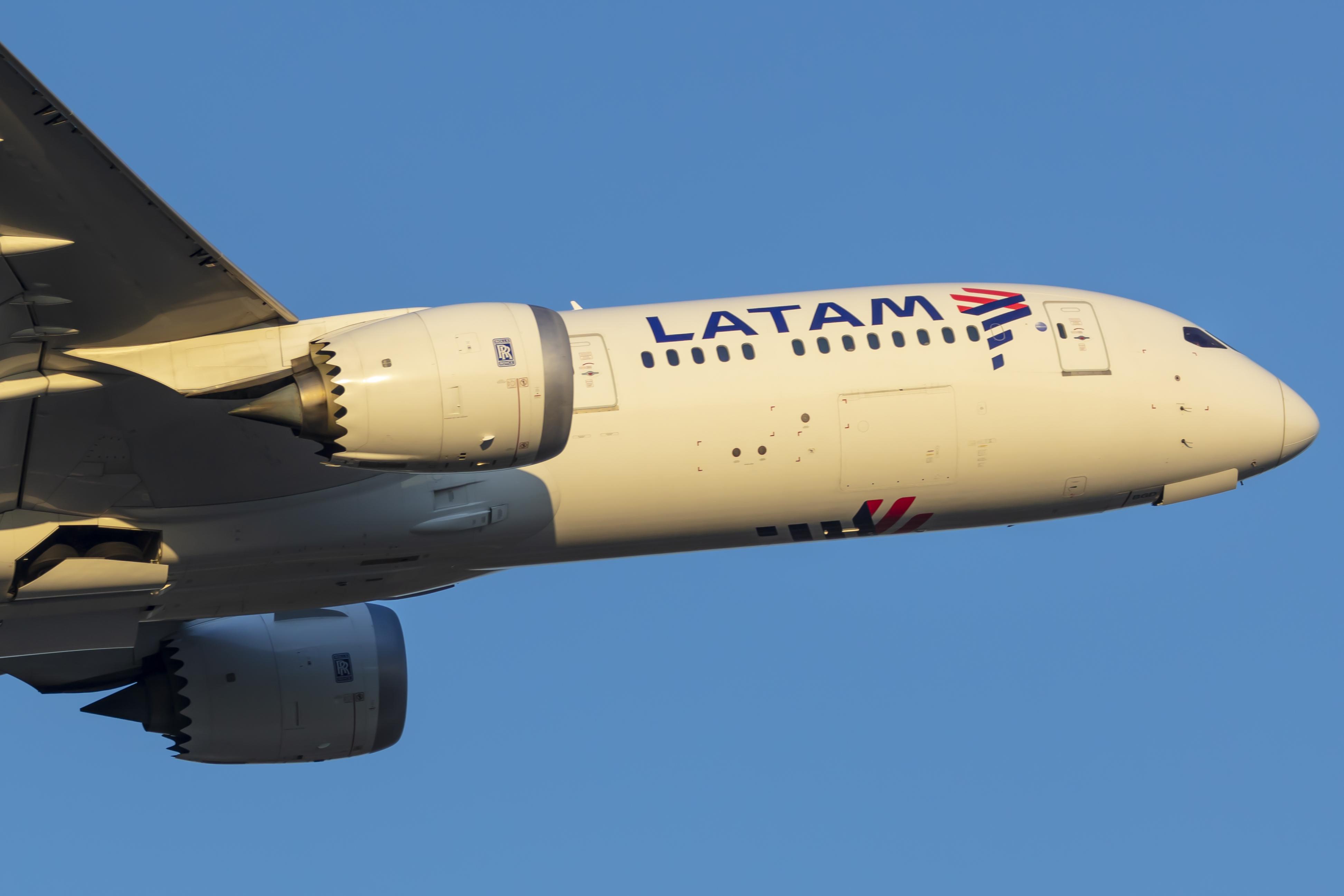 En Boeing 787-9 Dreamliner fra det chilenske flyselskab LATAM. Foto: © Thorbjørn Brunander Sund, Danish Aviation Photo