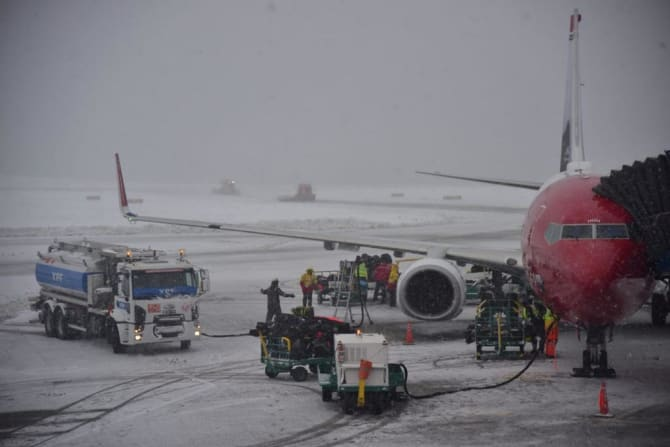 Norwegians Boeing 737-800 efter ankomst til et snedækket Ushuaia i det sydligste af Argentina. Foto: Norwegian Air Argentina