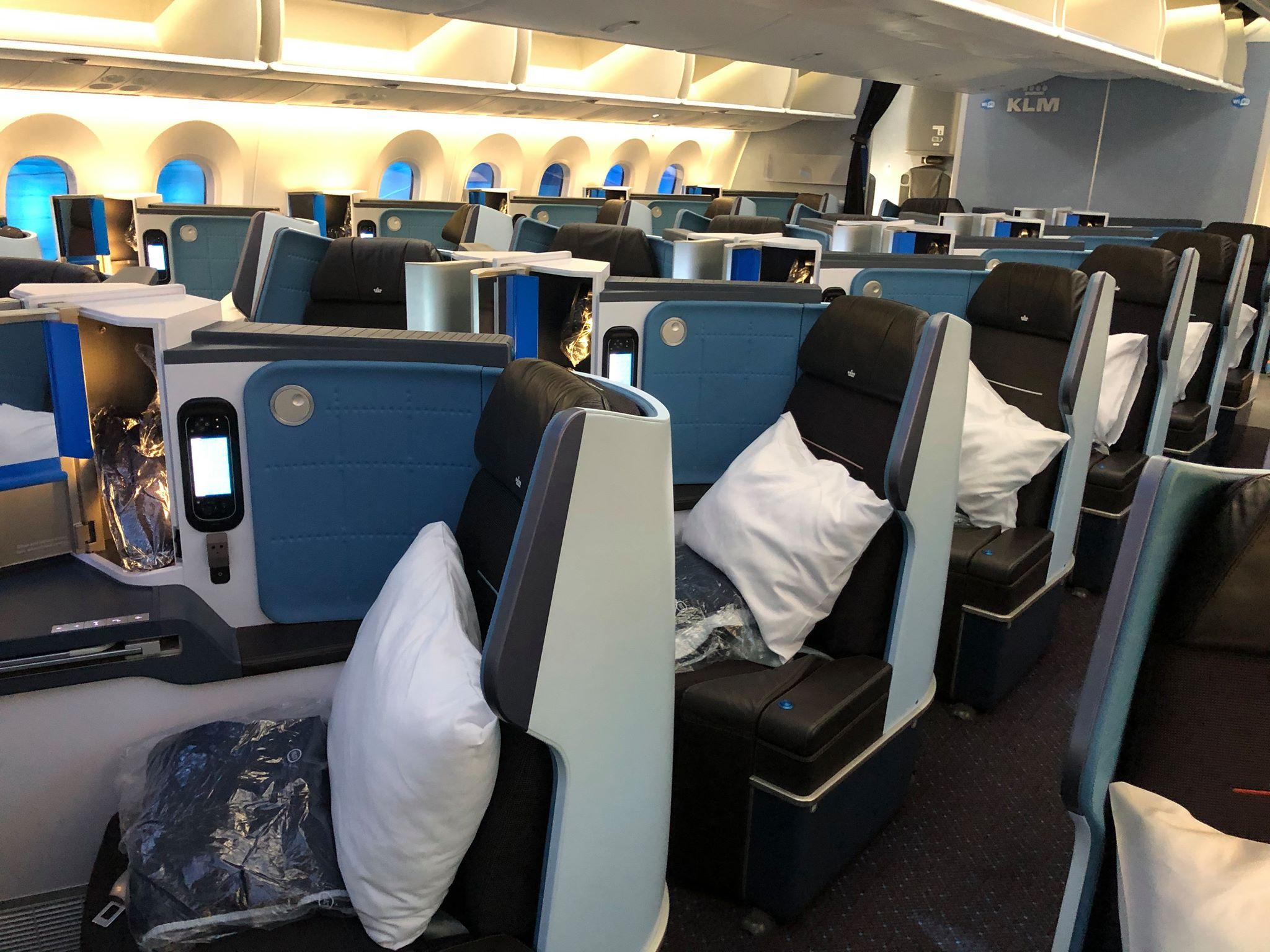 Business Class-kabinen i KLM´s Boeing 787-9 Dreamliner. (Foto: Jens Laursen-Schmidt)