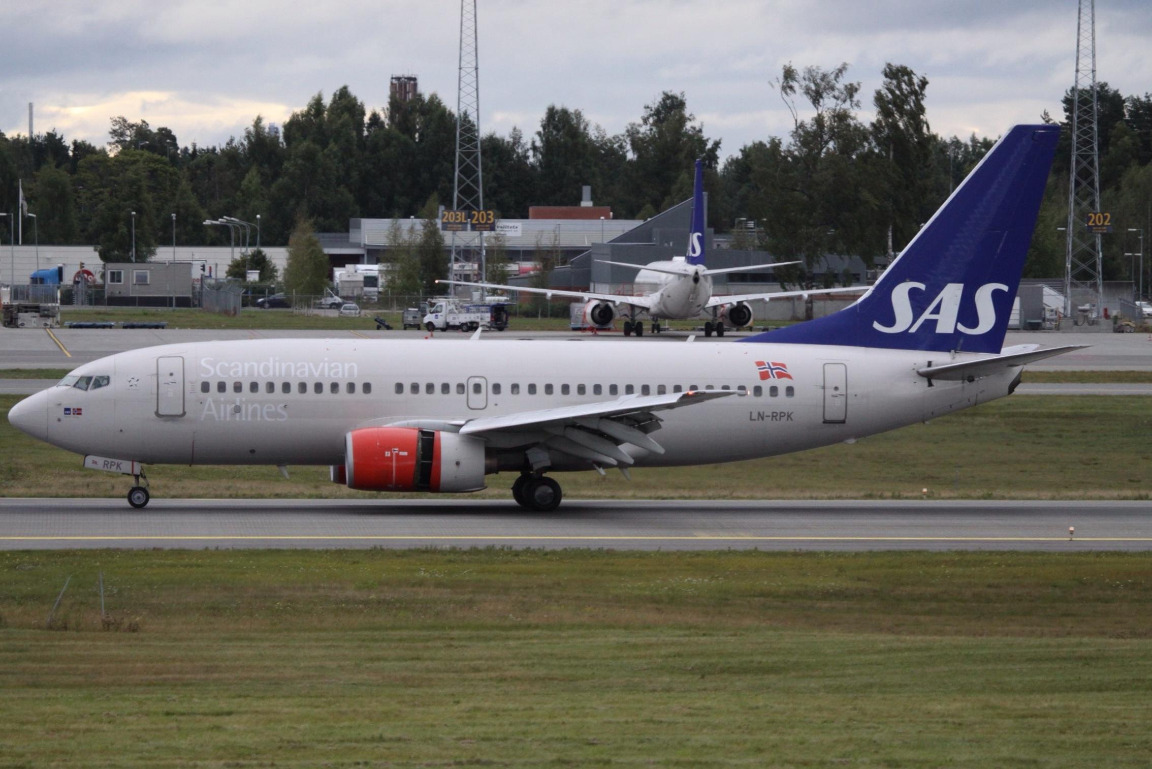 En Boeing 737-700 med registreringen LN-RPK fra SAS. Foto: Aeroprints.com, CC 3.0