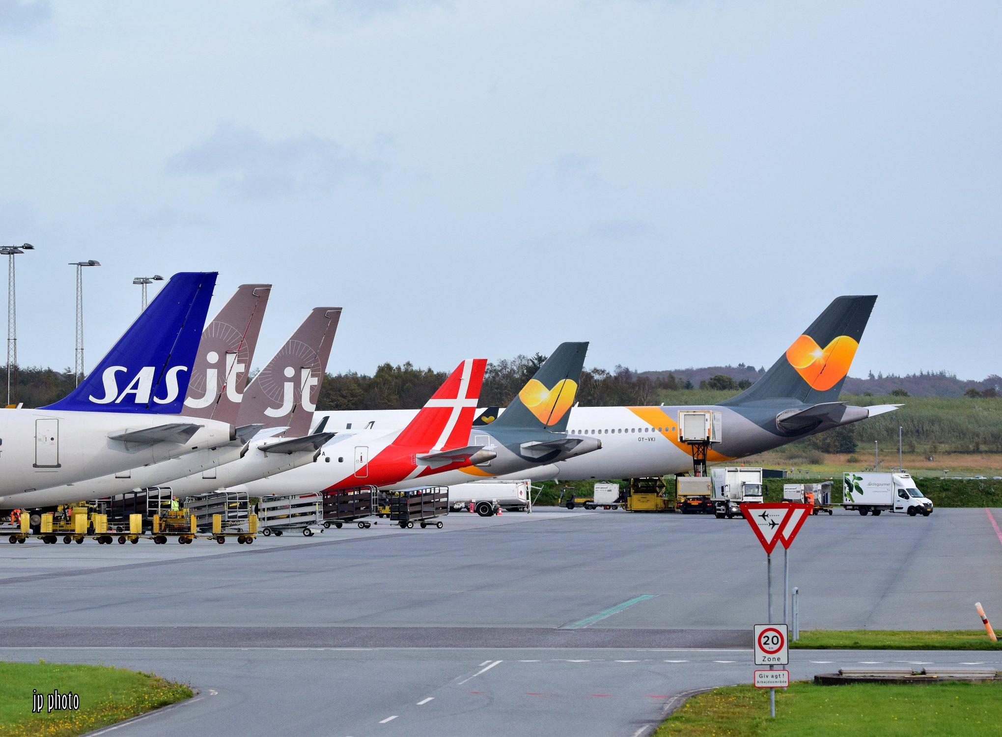 Fly på forpladsen i Billund Lufthavn. (Foto: Jannick Spangsberg Pedersen)