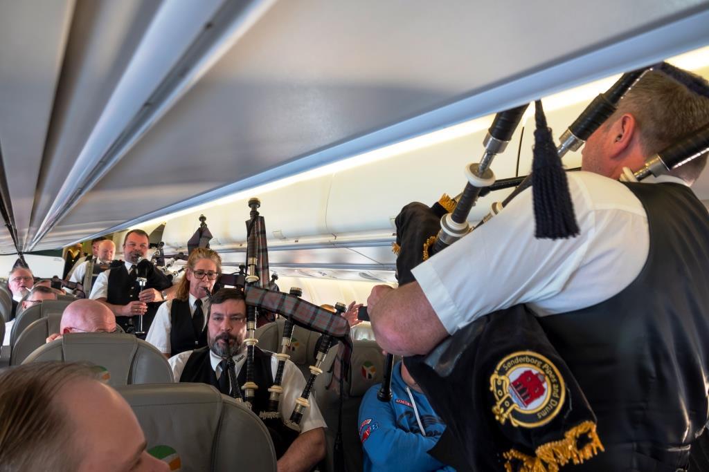 Der var sækkepibemusik på den første DAT-flyvning mellem Esbjerg og Aberdeen. (Foto: © Thorbjørn Brunander Sund | Danish Aviation Photo)