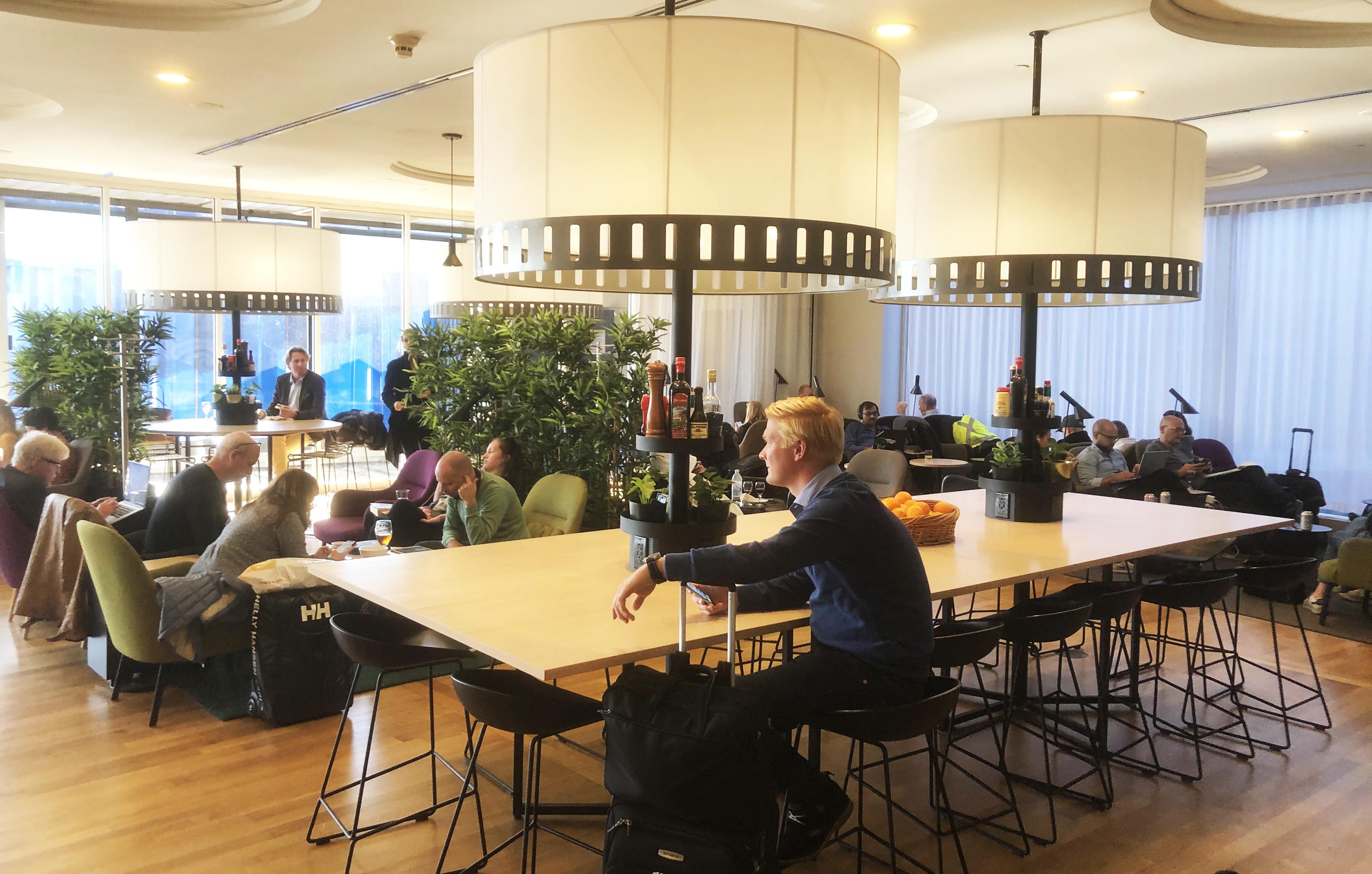 Velkendt design i SAS-loungen i Newark-lufthavnen. (Foto: Joakim J. Hvistendahl)