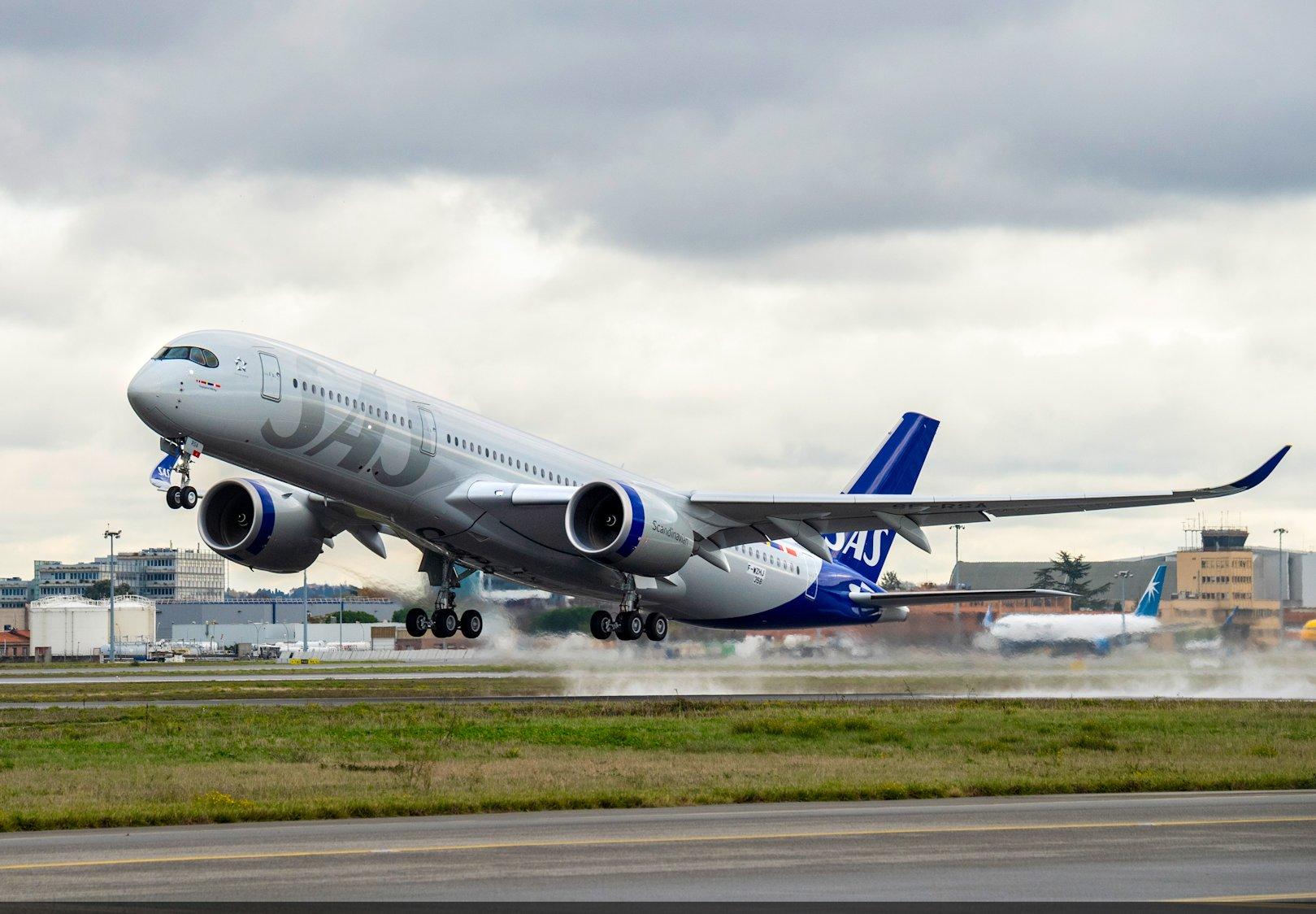 Første flyvning med Airbus A350-900 XWB – registrering SE-RSA (Foto: Airbus | H. GOUSSÉ | master films)