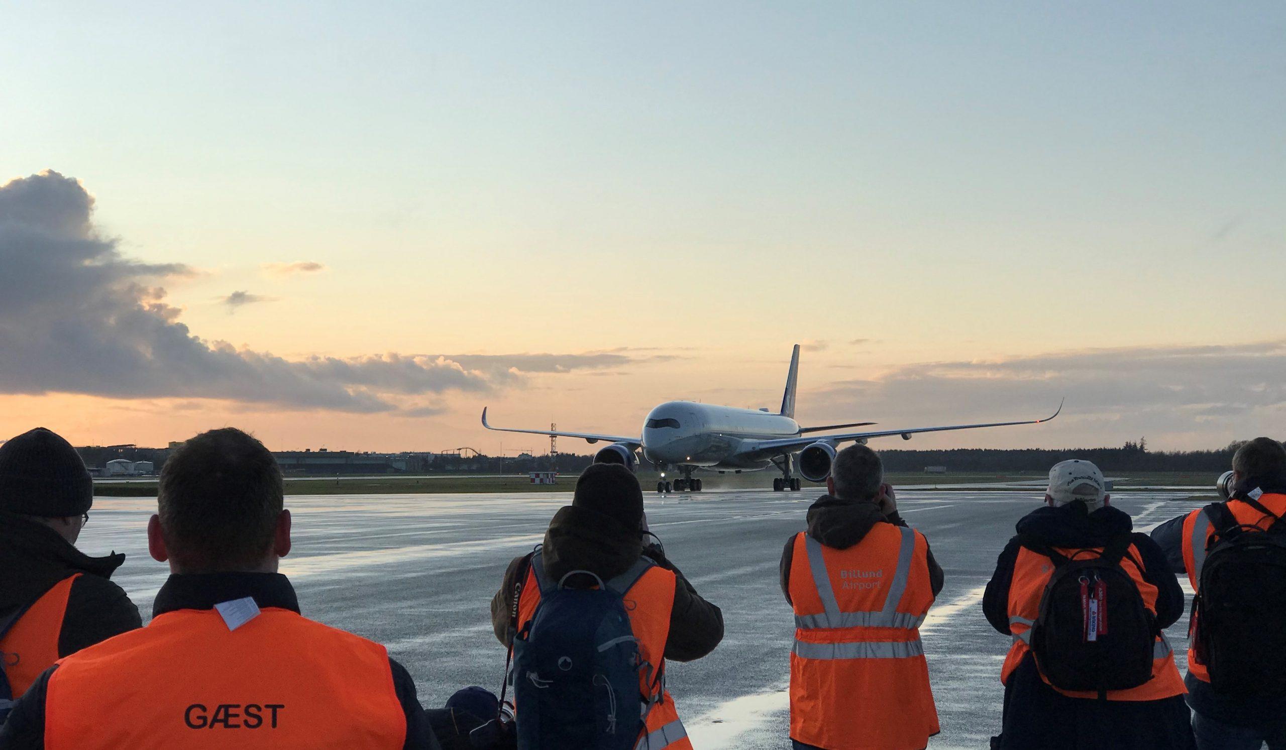 Flyspottere tog imod den nye SAS A350 i Billund Lufthavn. (Foto: Ole Kirchert Christensen)