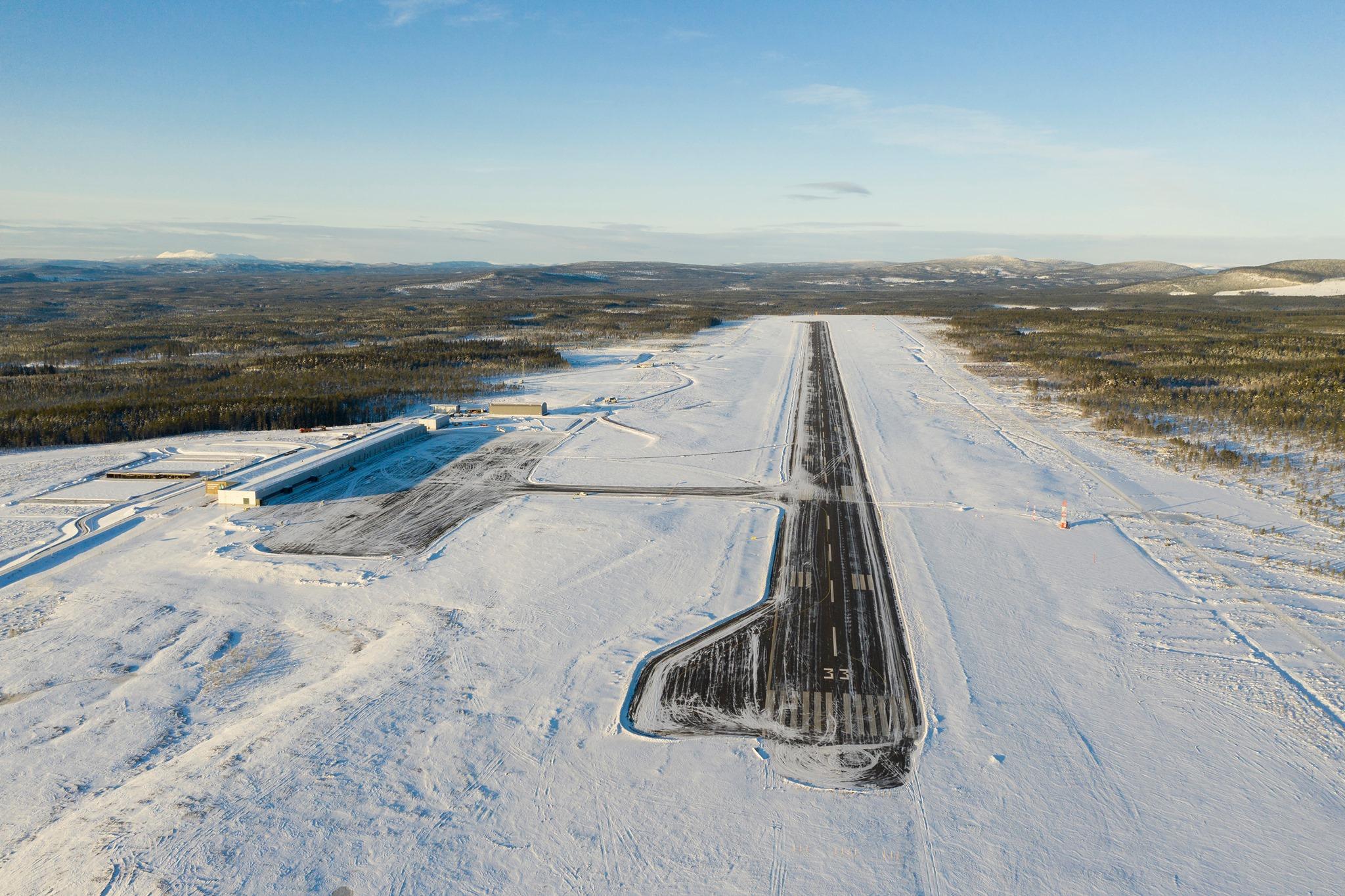 Scandinavian Mountains Airport i et sneklædt landskab. (Foto: Scandinavian Mountains Airport | Facebook)