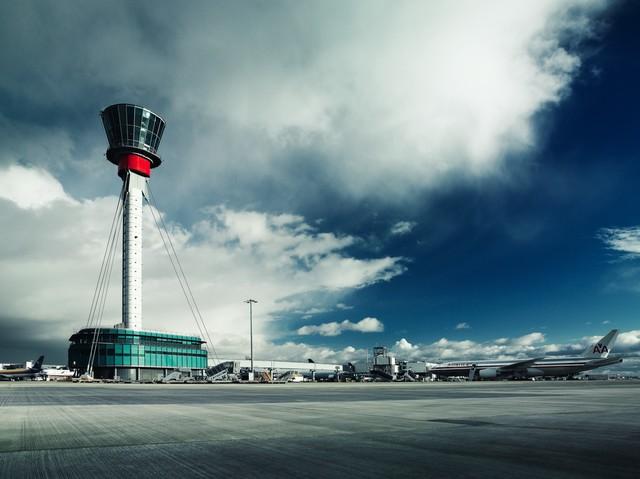Kontroltårnet i London Heathrow Airport. (Foto: Heathrow Airports Limited   PR)