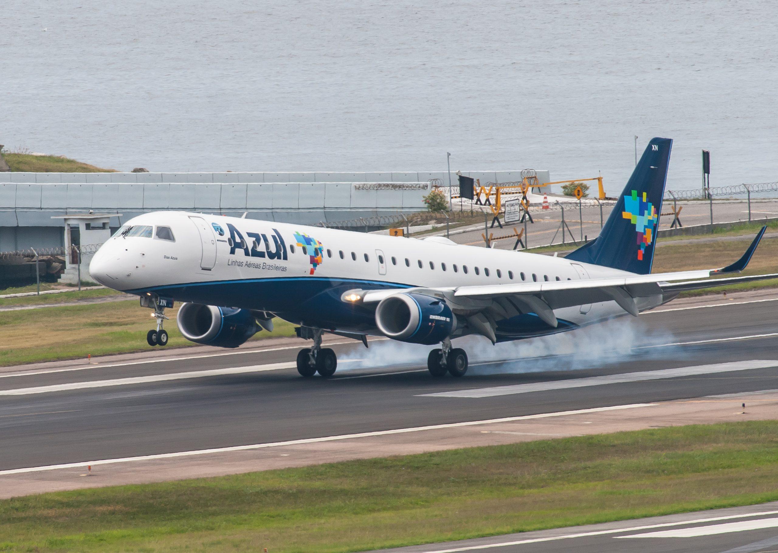 En Embraer 195 fra det brasilianske flyselskab Azul. Foto: Joao Carlos Medau, CC 2.0
