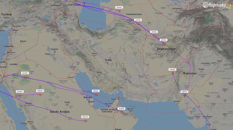 Europæiske flyselskaber flyver udenom Iran og Irak. (Grafik: Flilghtradar24.com)